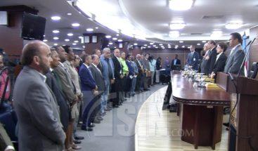 Diputados proponen elección de candidatos se haga a través de encuestas