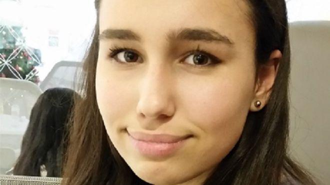 Adolescente muere al comer sándwich en aeropuerto Heathrow en Londres