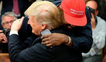 Kanye West se reúne con Trump y dice que le hace sentir