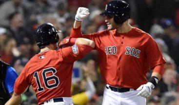 Boston golpea primero ante los Yanquis en Serie Divisional