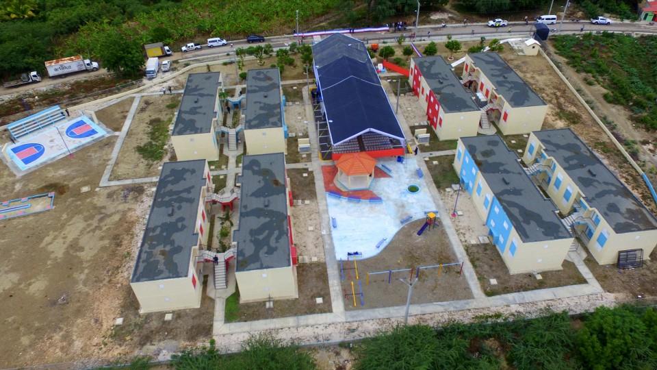 Entregan proyectos habitacionales en Independencia y Pedernales