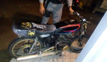 Tras persecución y balacera arrestan presuntos asaltantes en Samaná