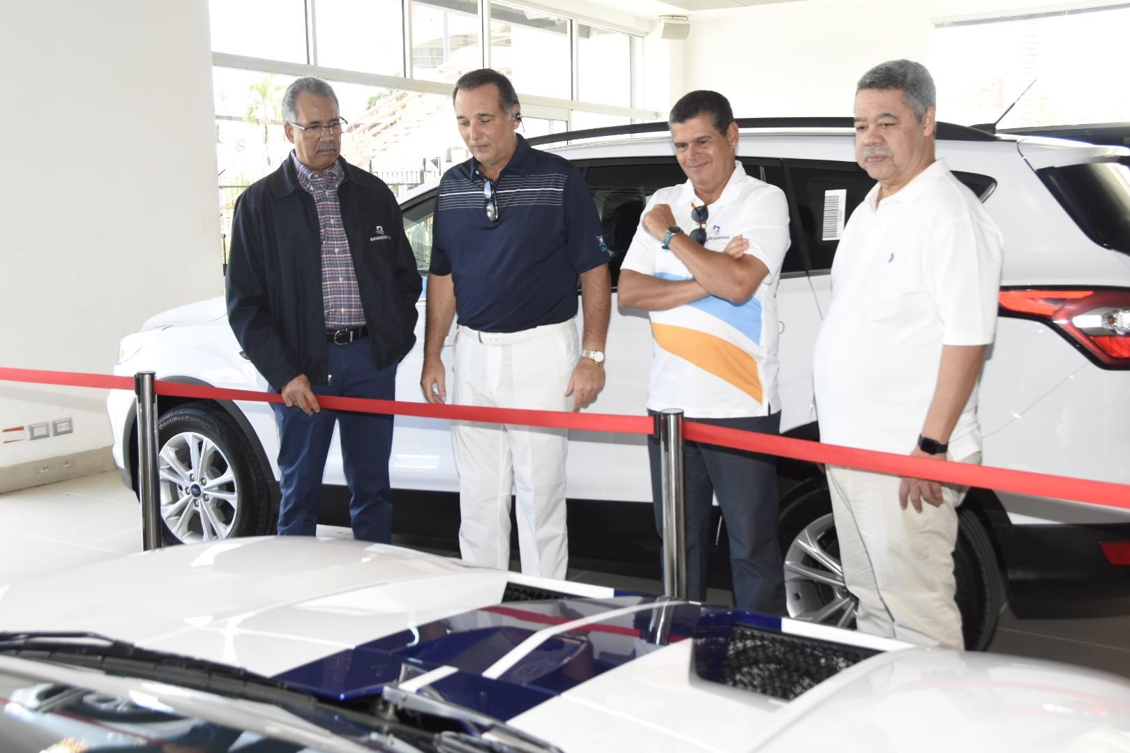 Financian 5,500 vehículos de uso personal y comercial