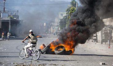 Haitianos exigen al presidente abandonar el poder en medio de protestas