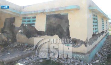 Son atendidos en patios los afectados por sismo del sábado en Haití