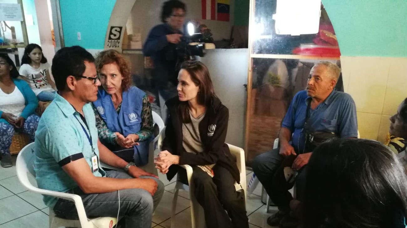 Angelina Jolie visita albergues de acogida para venezolanos en Lima
