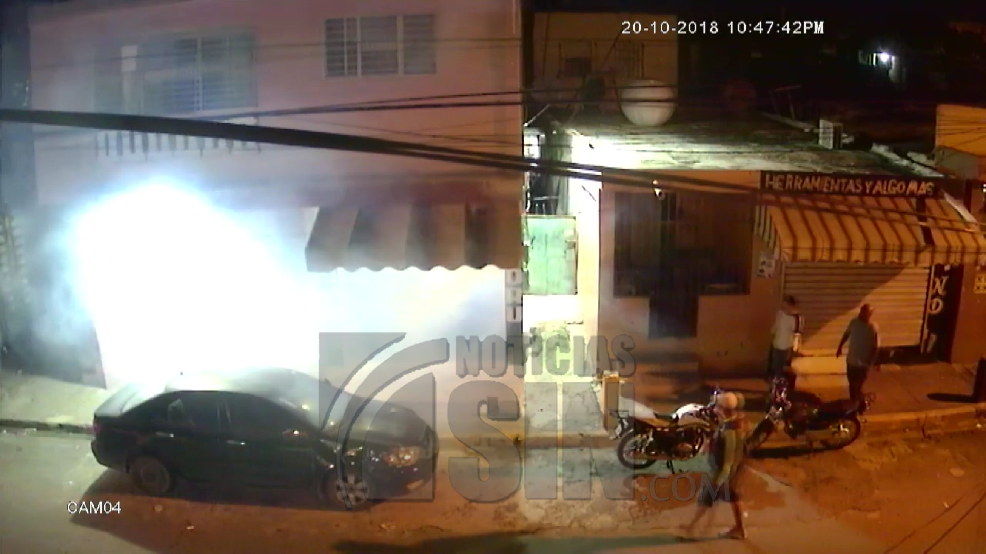 Policías lanzan bombas en establecimiento comercial en Villa María
