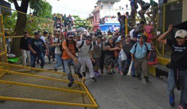 Cientos de personas marchan en Honduras en solidaridad con los migrantes