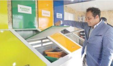 """Colocan punto de reciclaje en Santiago """"Punto Verde"""""""