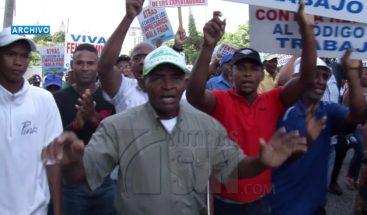 CONEP rechaza reclamo de trabajadores adelantar revisión salario mínimo