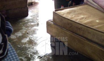 Desborde del río Yaguasa en Villa Mella afecta varias viviendas