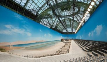 Chanel lleva la playa a París y se rinde a las tendencias mileanials