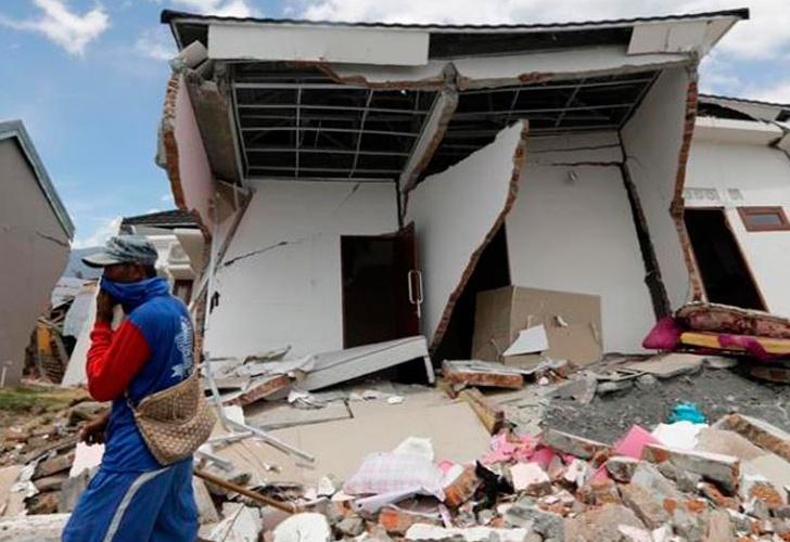 Indonesia: 2 mil muertos y 5 mil desparecidos por sismo y tsunami