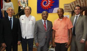 Artesanos reciben reconocimientos de FDD y CENADARTE