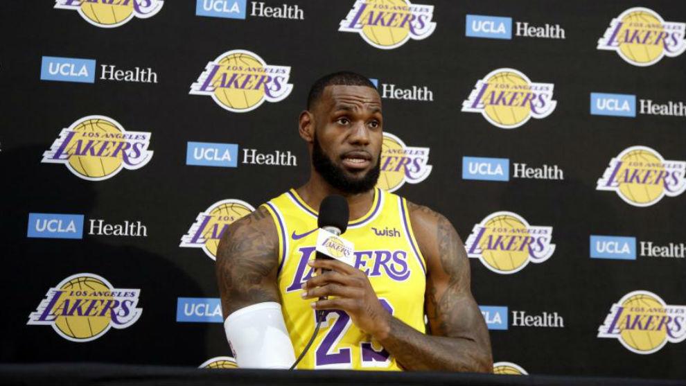 LeBron listo para su debut con Los Lakers en el Staples Center
