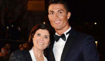 La madre de Cristiano Ronaldo pide una corriente de apoyo a su hijo