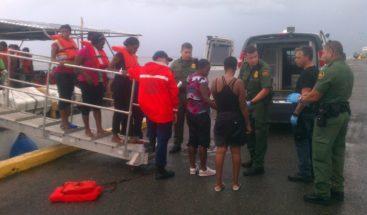 Guardia Costera PR devuelve 24 inmigrantes ilegales a RD