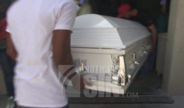 Continúa detenida novia de estudiante murió de un disparo en Azua