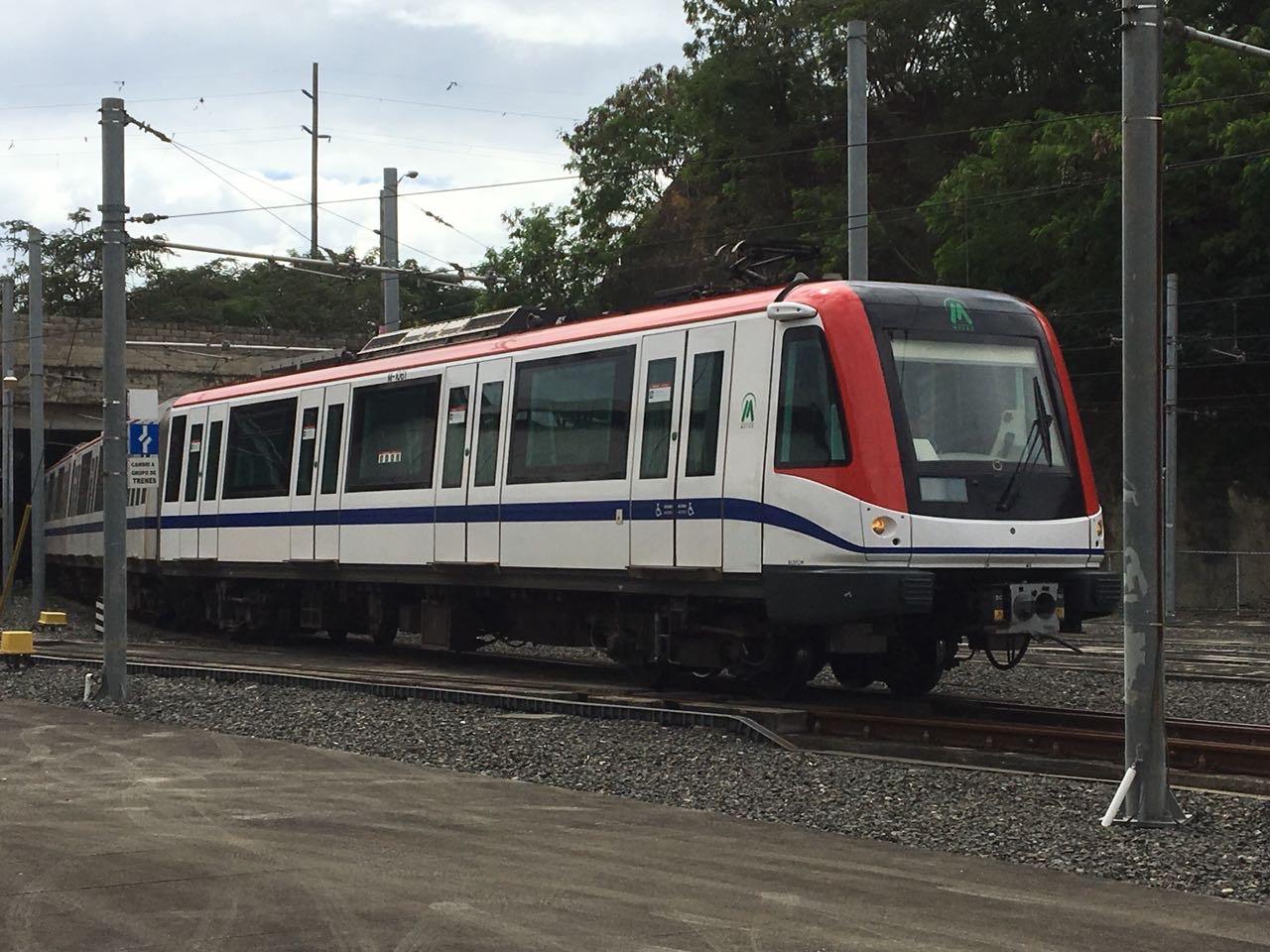 Llegarán dos trenes adicionales para ampliar servicio Línea 2B del Metro
