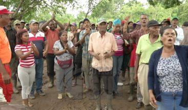 Decenas de personas denuncian desalojo ilegal en Monte Plata