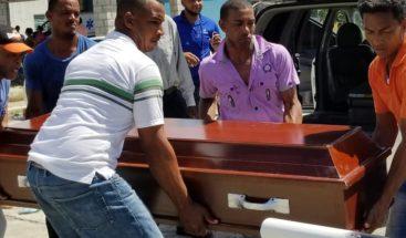 Hallan hombre muerto con impactos de bala en un canal de riego en Nagua