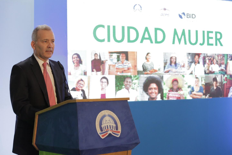 Proyecto Ciudad Mujer brinda atención a más de 100 mil mujeres cada año