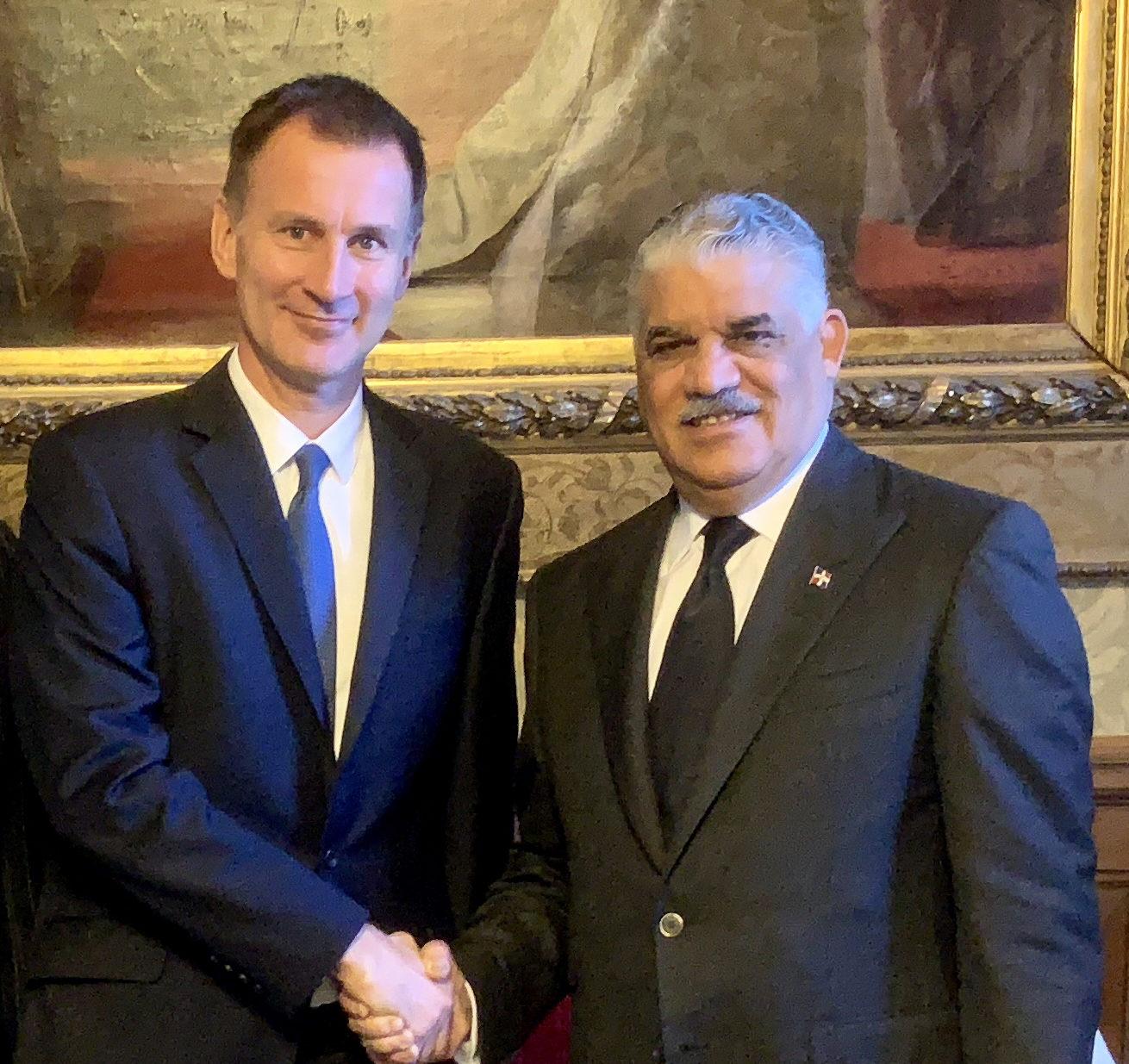 Canciller RD y homólogo británico tratan sobre Consejo de Seguridad ONU
