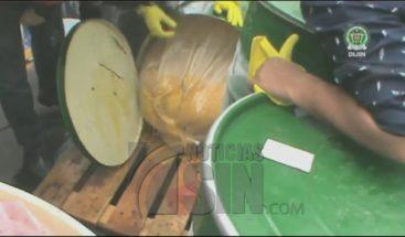 Encuentran cocaína camuflada en un envío de pulpa de fruta en Colombia