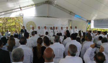 Presidente Medina da primer palazo para construcción Hacienda Samaná Bay