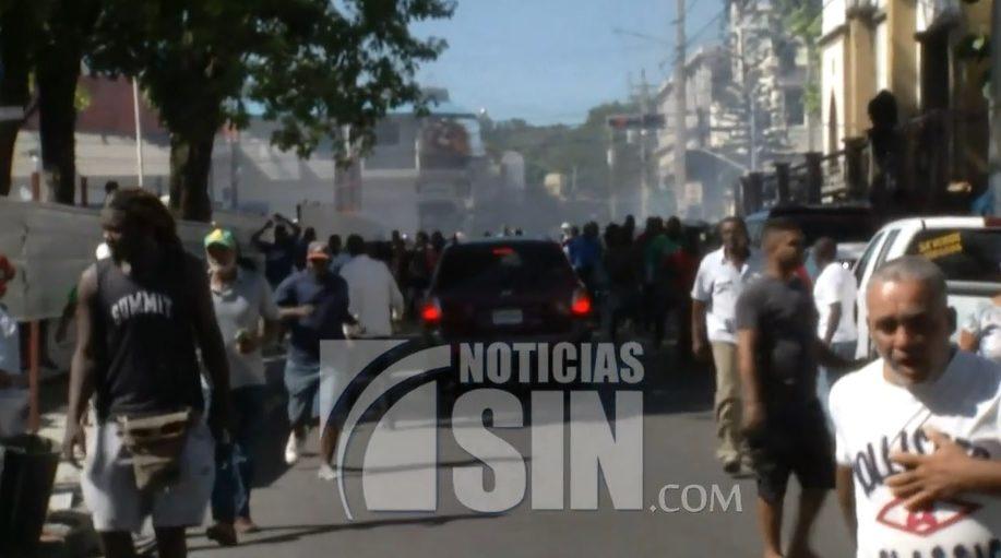 Manifestación en San Cristóbal contra privatización de mercado municipal