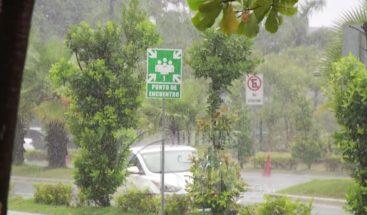 COE disminuye a 8 provincias en alerta; advierten seguirán las lluvias