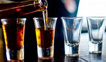 Levantan restricción a horario venta de alcohol por Navidad