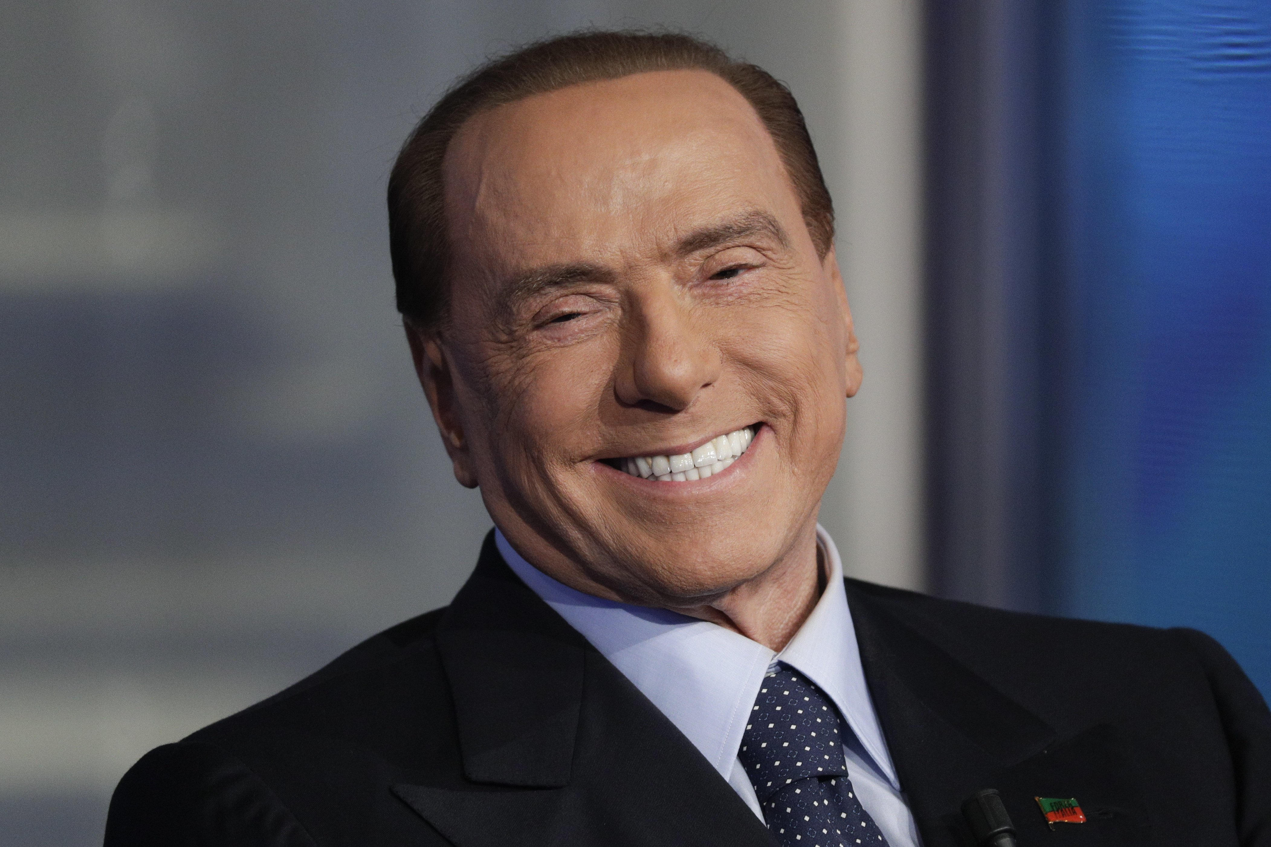 Enjuician a Berlusconi por pagar a testigo que mintiese sobre fiestas