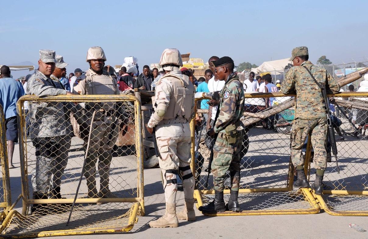 Ejército dice refuerza frontera desde Pedernales hasta Dajabón