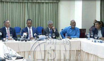Comisión cierra debate sobre mayor presupuesto para la UASD y Defensa