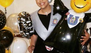 La mambera Juliana se gradúa con honores en la carrera de Mercadeo