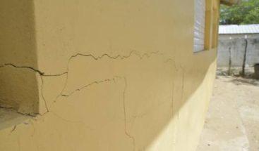 Tres centros educativos han sido afectados por sismos, según José Uribe