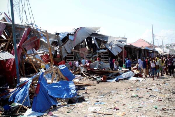 Ocho muertos y quince heridos en atentado con coche bomba en Mogadiscio