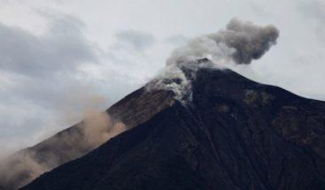 Volcán de Fuego de Guatemala mantiene hasta 12 explosiones por hora