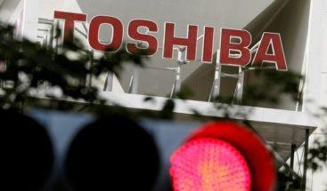 Toshiba prescindirá de unos 7.000 empleados en los próximos cinco años