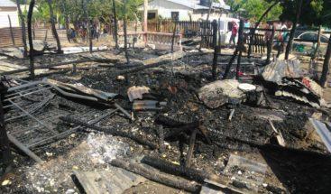 Una vivienda quedó reducida a cenizas en Montecristi