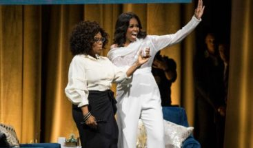 Obama apoya a su esposa Michelle en gira de presentación de su libro