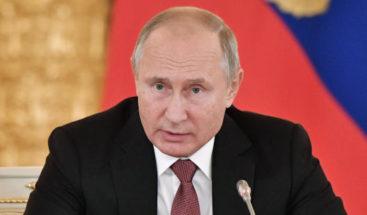 Putin dice que tapará la boca a quienes intentan reescribir la historia