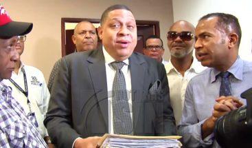 Choferes de CNTT depositan más de 9 mil multas en fiscalía de Santiago