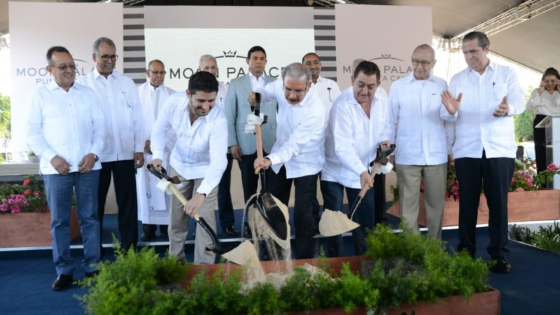 Presidente inaugura hotel Moon Palace en Punta Cana