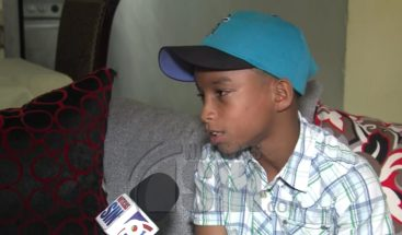 Niño jugador de béisbol se ha hecho famoso por su destreza y habilidades