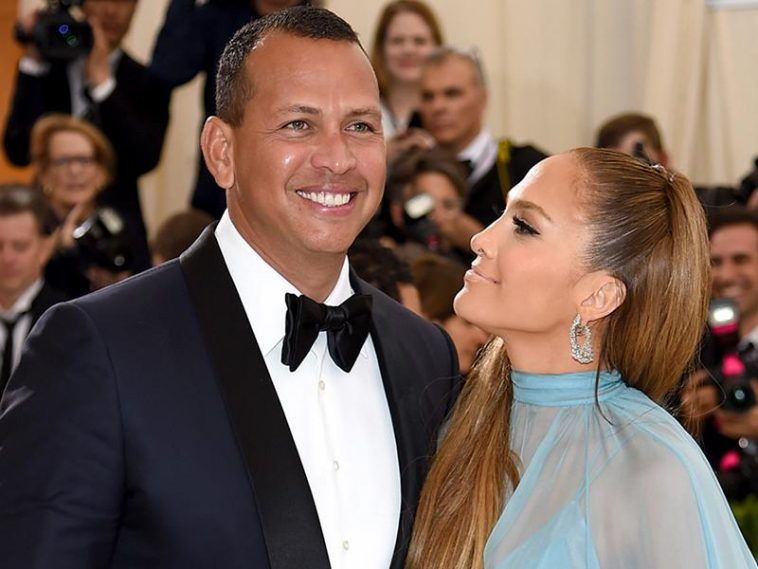 Jennifer López defiende a Alex Rodríguez de su exesposa