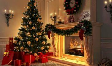 Niño llama a la Policía por un 'fraude' debajo del árbol de Navidad