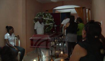 Velan restos de hombre asesinado durante un asalto en Los Alcarrizos
