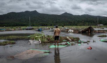 Suben a 437 muertos y baja a 33.700 afectados por el tsunami indonesio